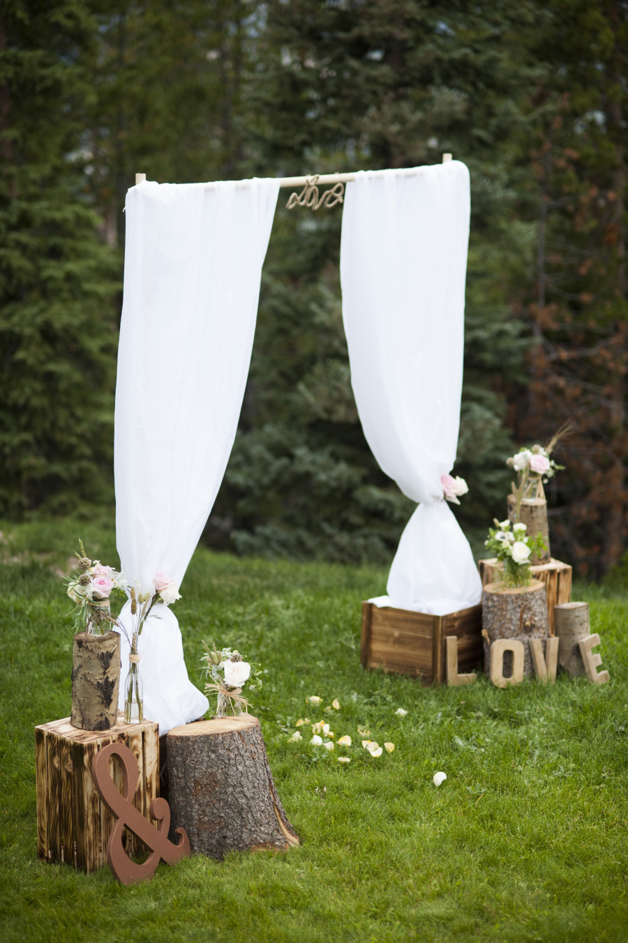 Say i do to these fab 51 rustic wedding decorations junglespirit Images