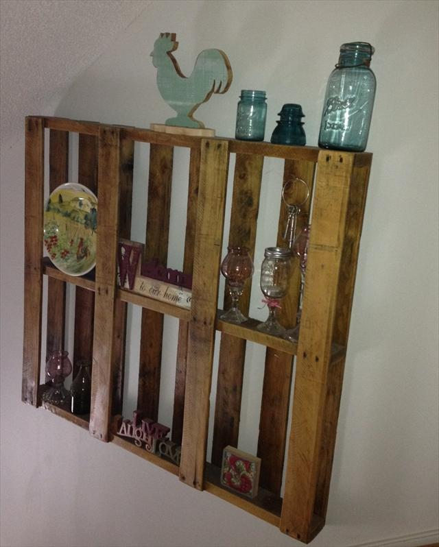 pallet-shelves-attraction