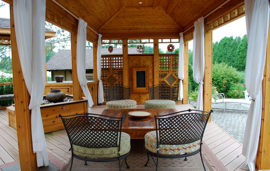 pergola-patio-curtains-for-privacy - How To Customize Your Outdoor Areas With Privacy Screens