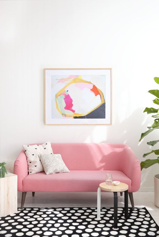 pink-sofa-and-polka-dot-rug