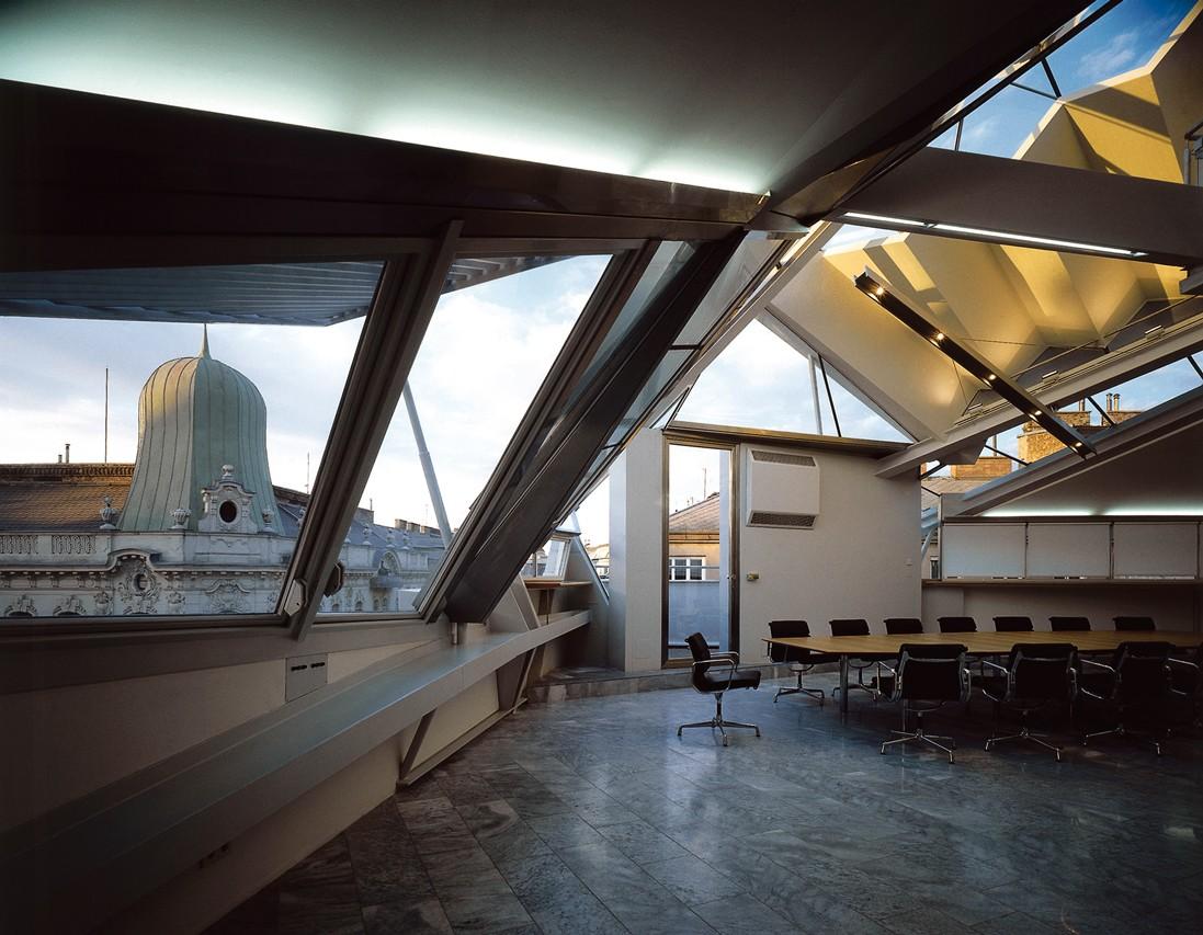 rooftop-remodeling-falkestrasse-interior