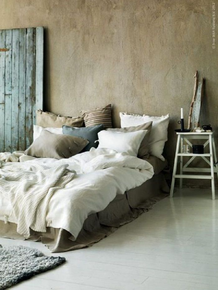 Cozy Bedding Style in Rustic Bedroom Ideas Inspiration