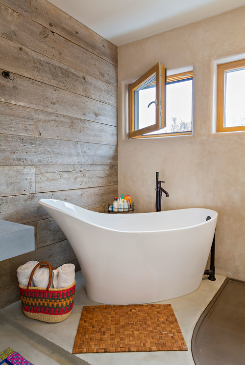 Fresh designs built around a corner bathtub - Small soaking tub ...