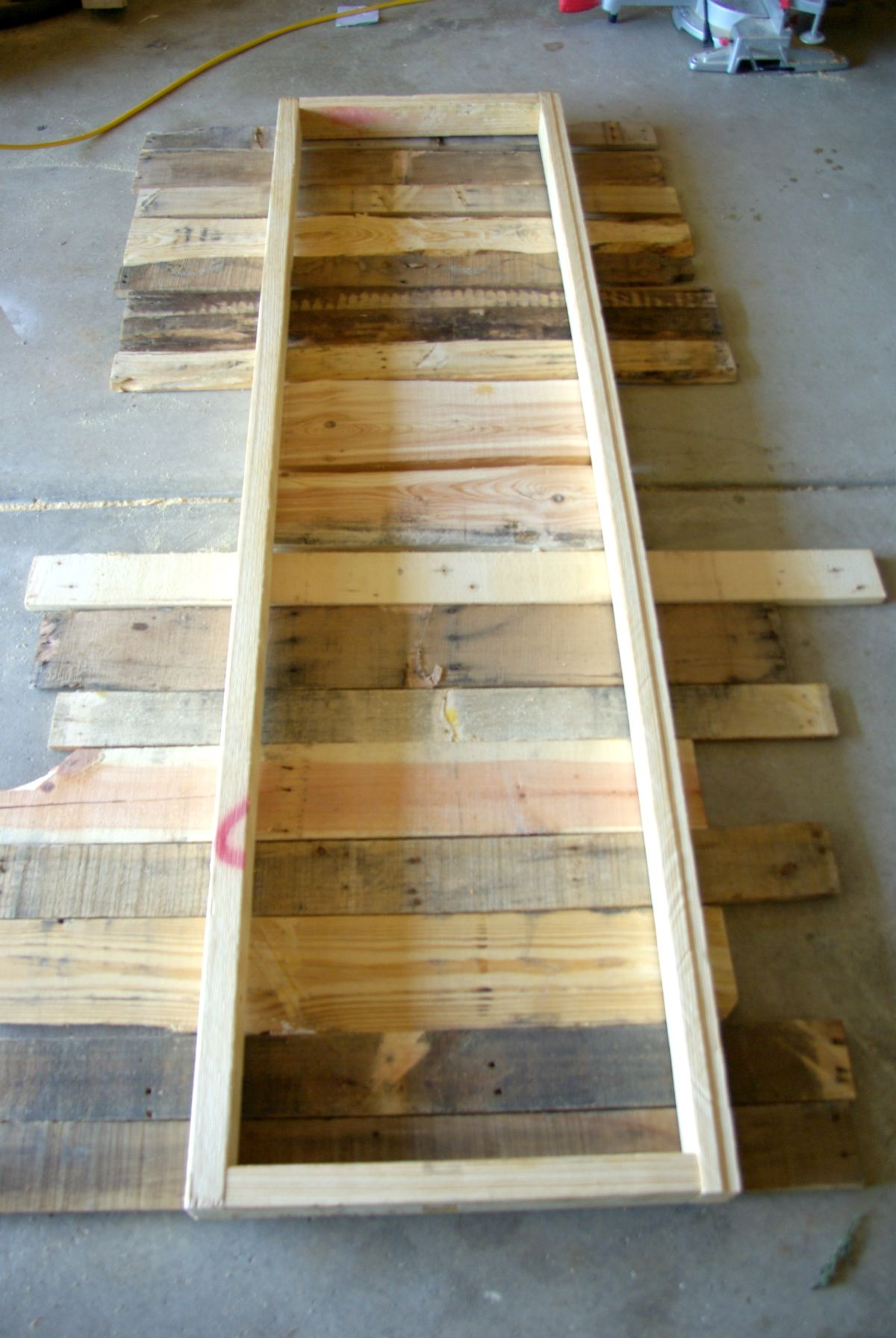 How To Build A Colorful Garden Bench Using Pallets