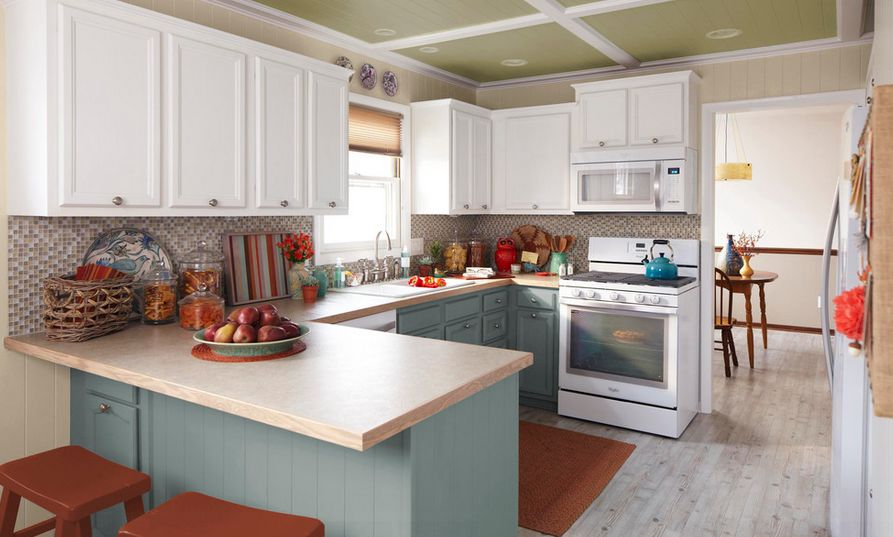 Sweet20 Kitchens With Stylish  Two Tone Cabinets. Two Tone Kitchen Designs. Home Design Ideas