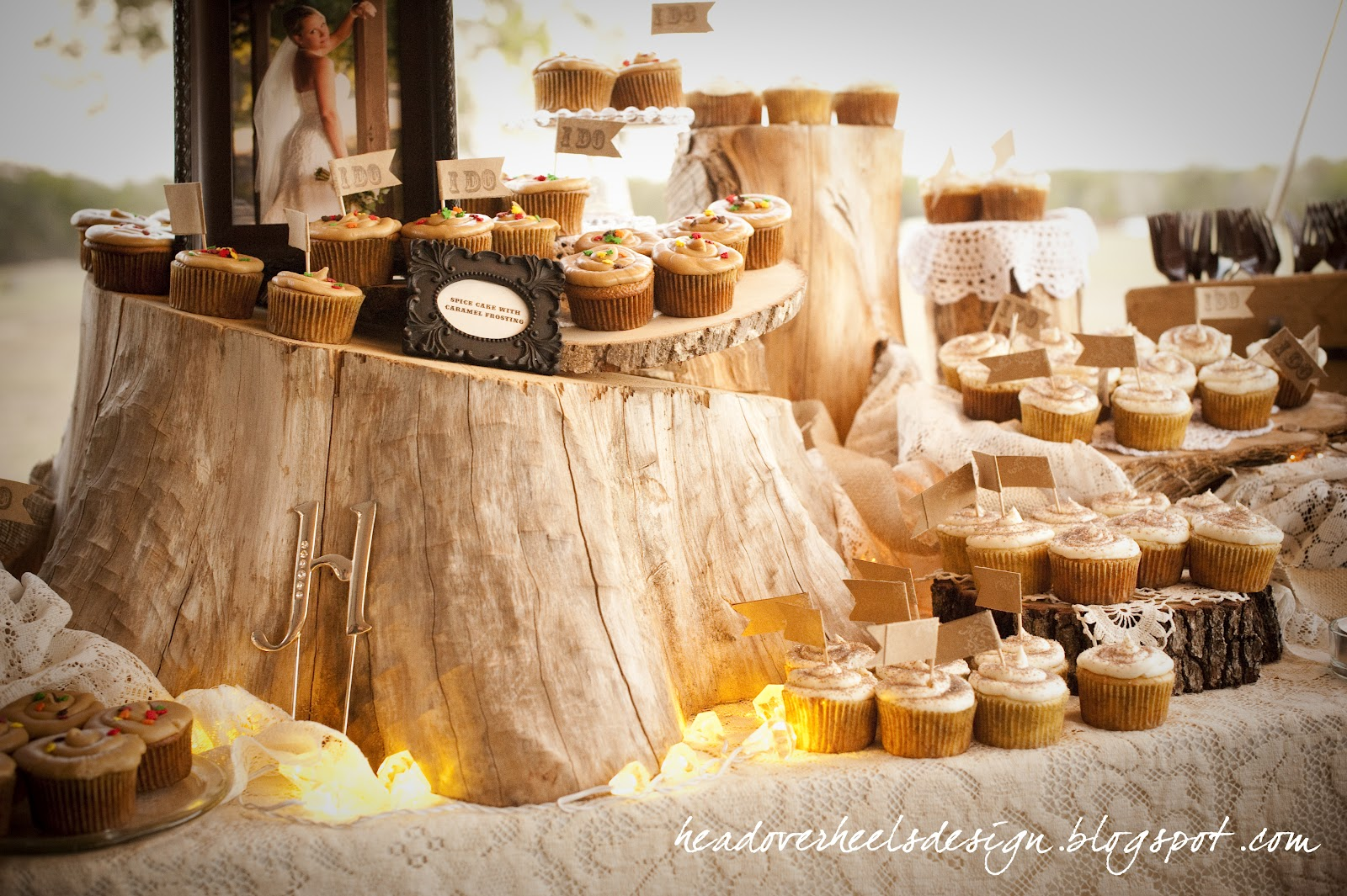 wedding-cupcake-bar