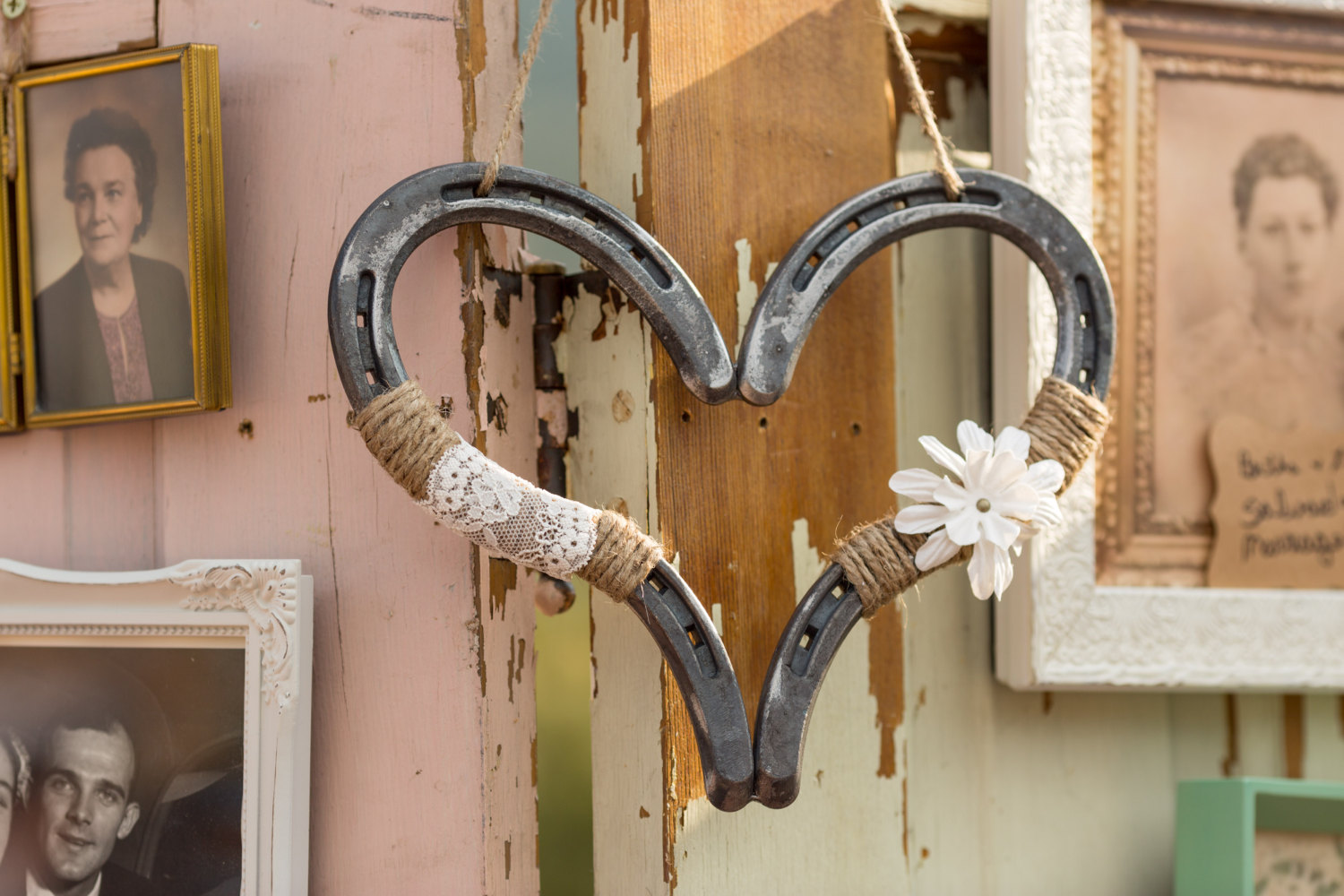 Say i do to these fab 51 rustic wedding decorations wedding horse shoe heart junglespirit Gallery