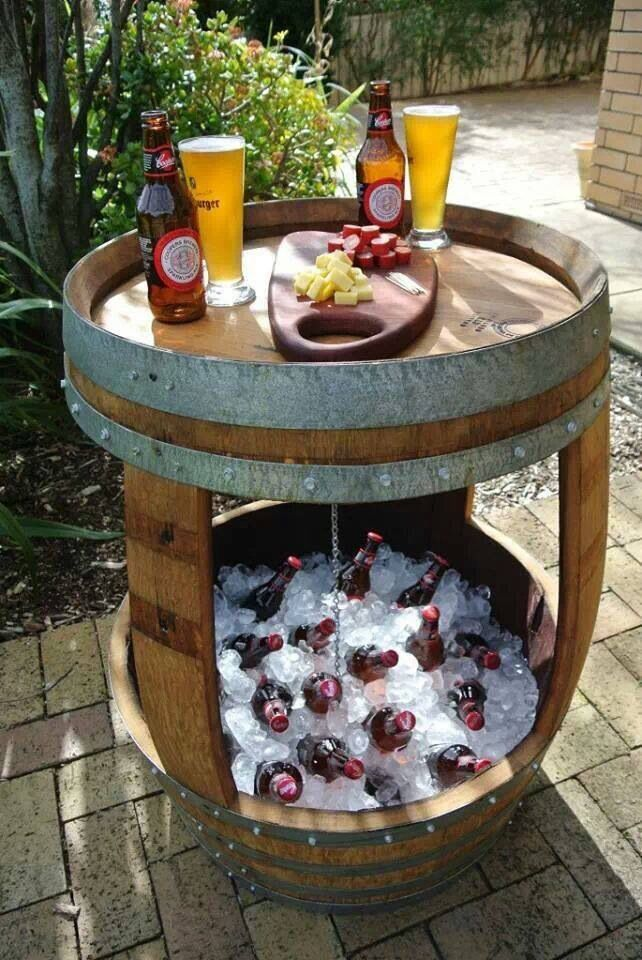 wooden-barrel-table-and-cooler