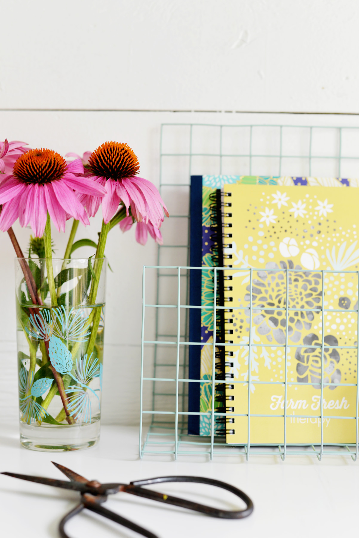 DIY Wire Desk Organizer Closer