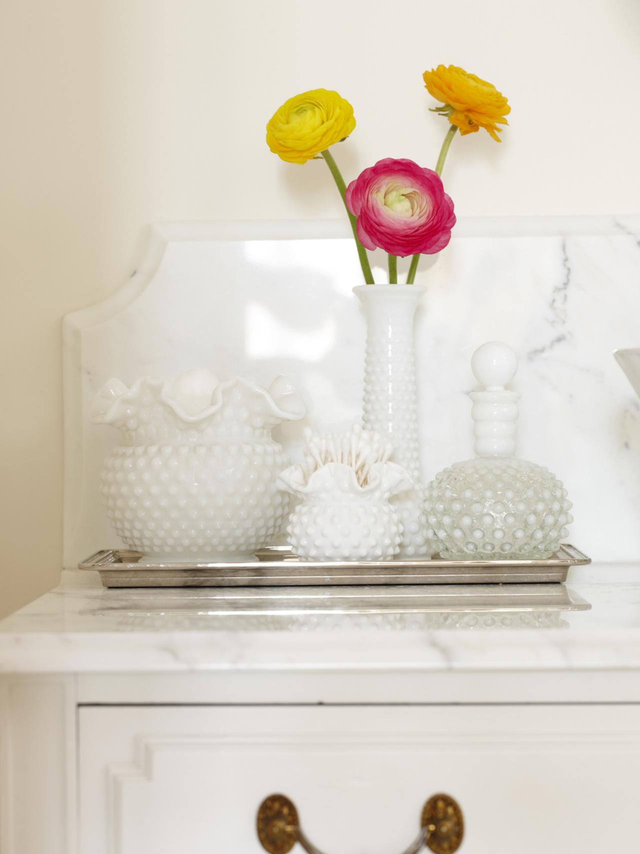 Night stand tray with milk vases