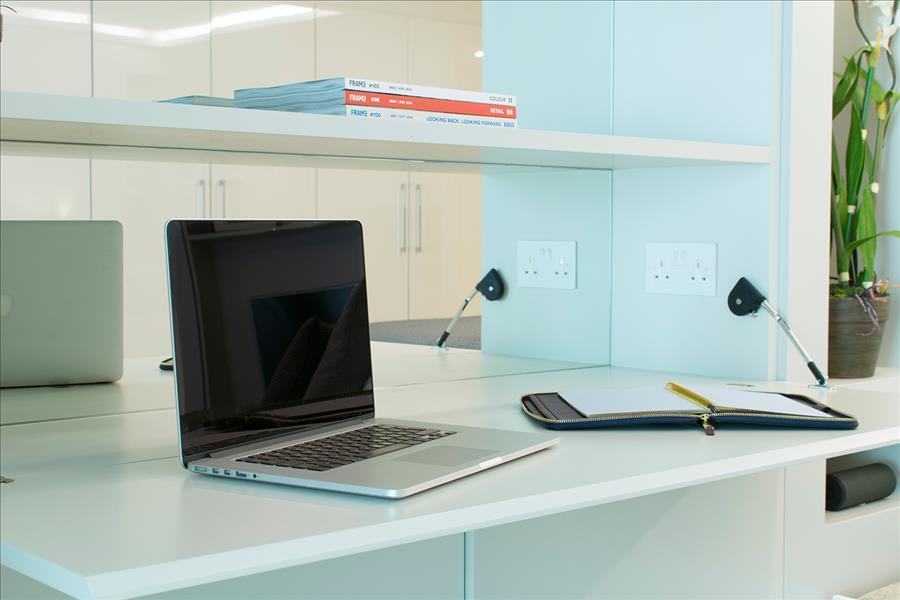YOHome-small-desk-area1