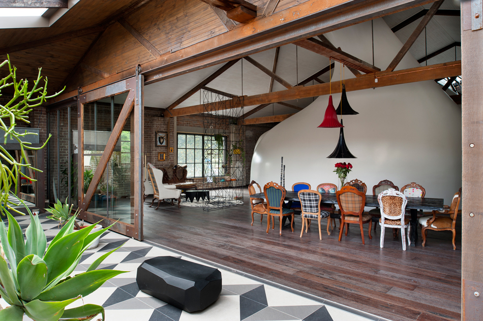 ajc-architects-inner-city-warehouse-outdoor