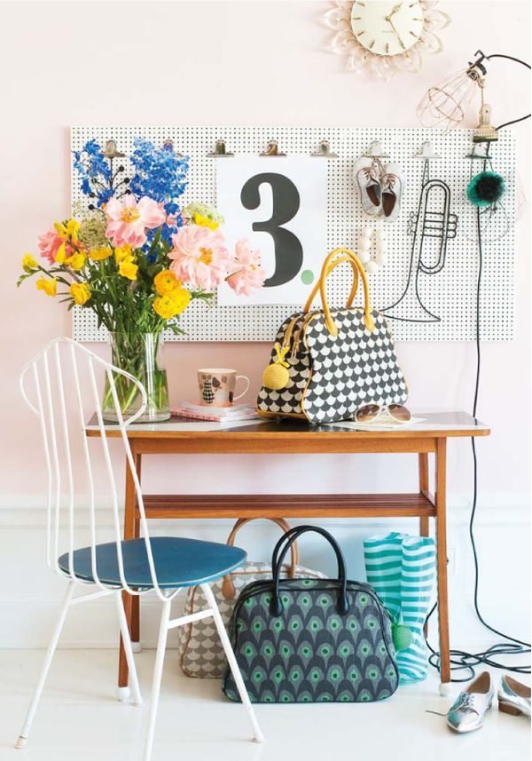 beautiful-home-office-area-pegboard