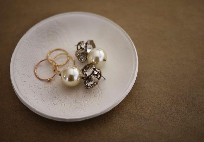 clay-jewelry-dish