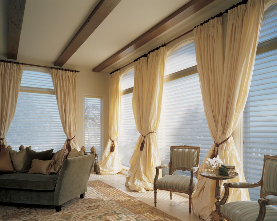 cream-pleated-curtains'