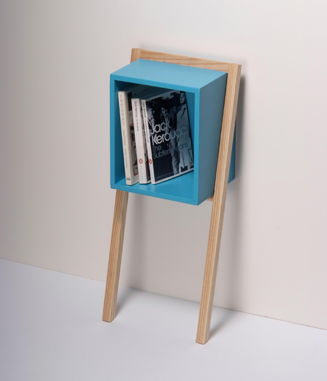 cube-shaped-bookshelf-2
