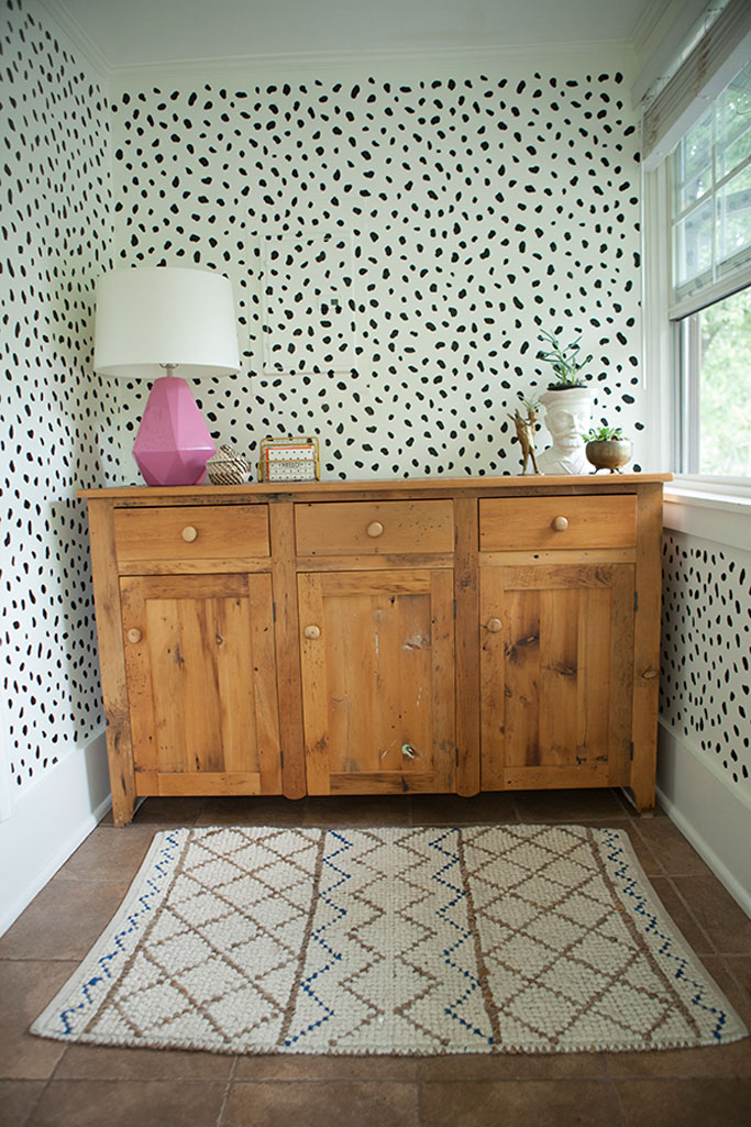 diy spotty wallpaper
