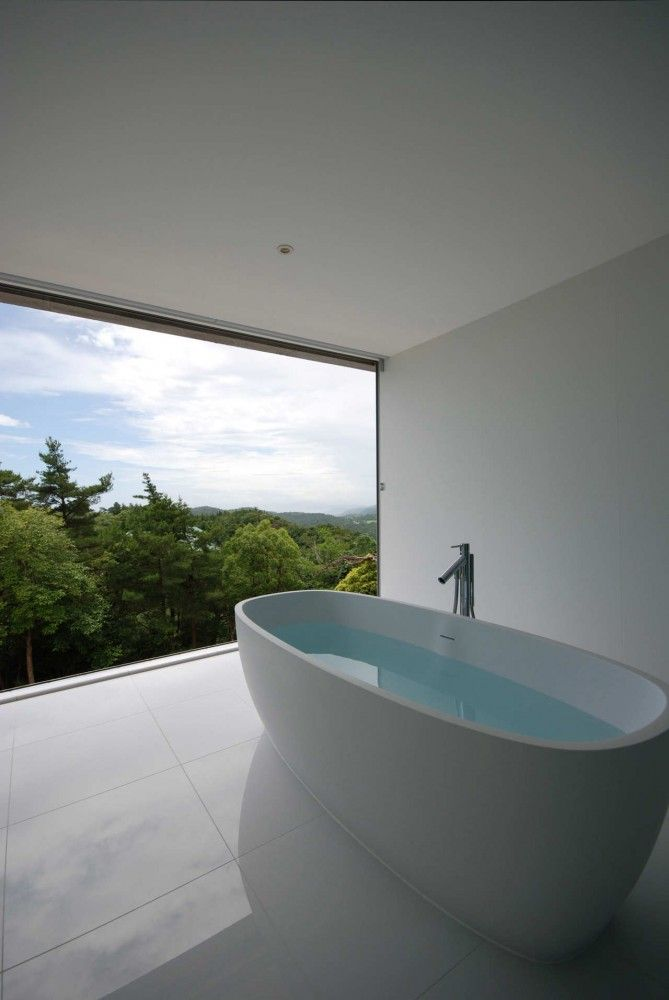 forest-view-bathroom