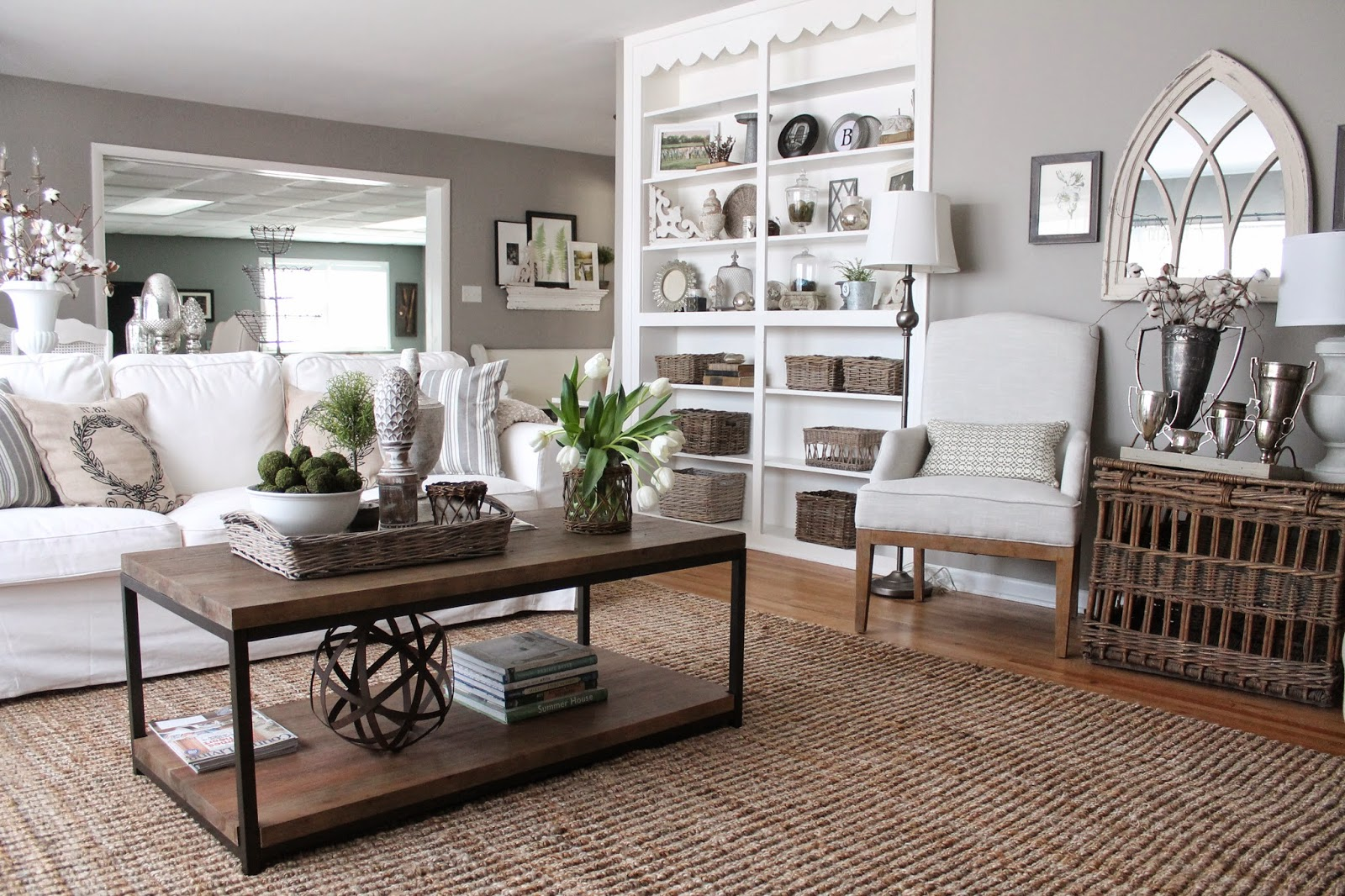 What Colors Go Good With Gray Furniture