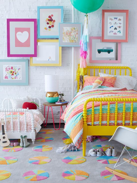 bedroom color happy 15 Youthful Bedroom Color Schemes   What Works and Why 733 X 550