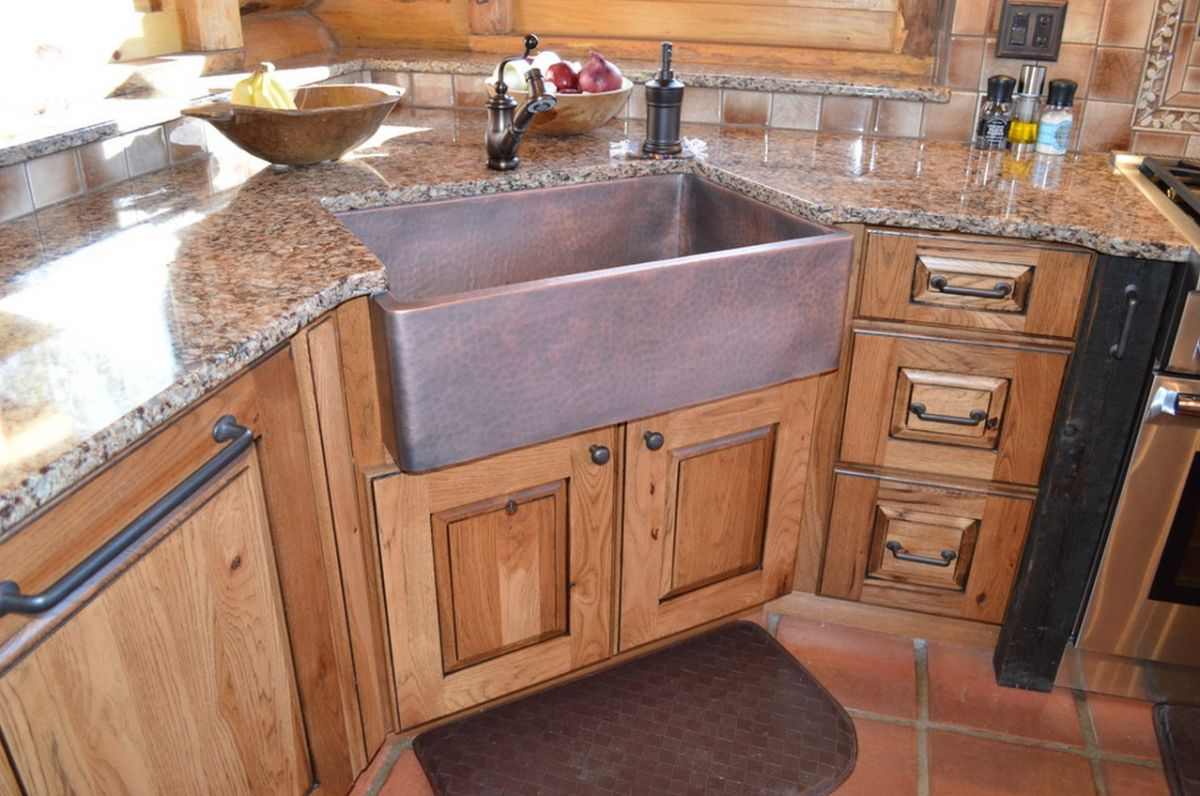 When and how to add a copper farmhouse sink to a kitchen for Coloured sinks kitchens