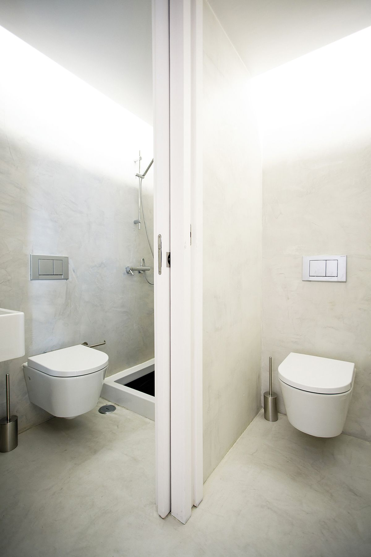 lisbon-student-apartment-bathroom-configuration