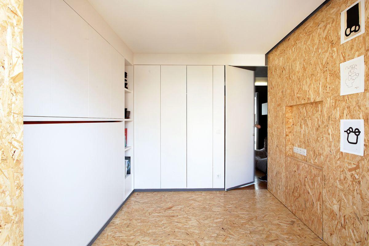 lisbon-student-apartment-flexible-furniture