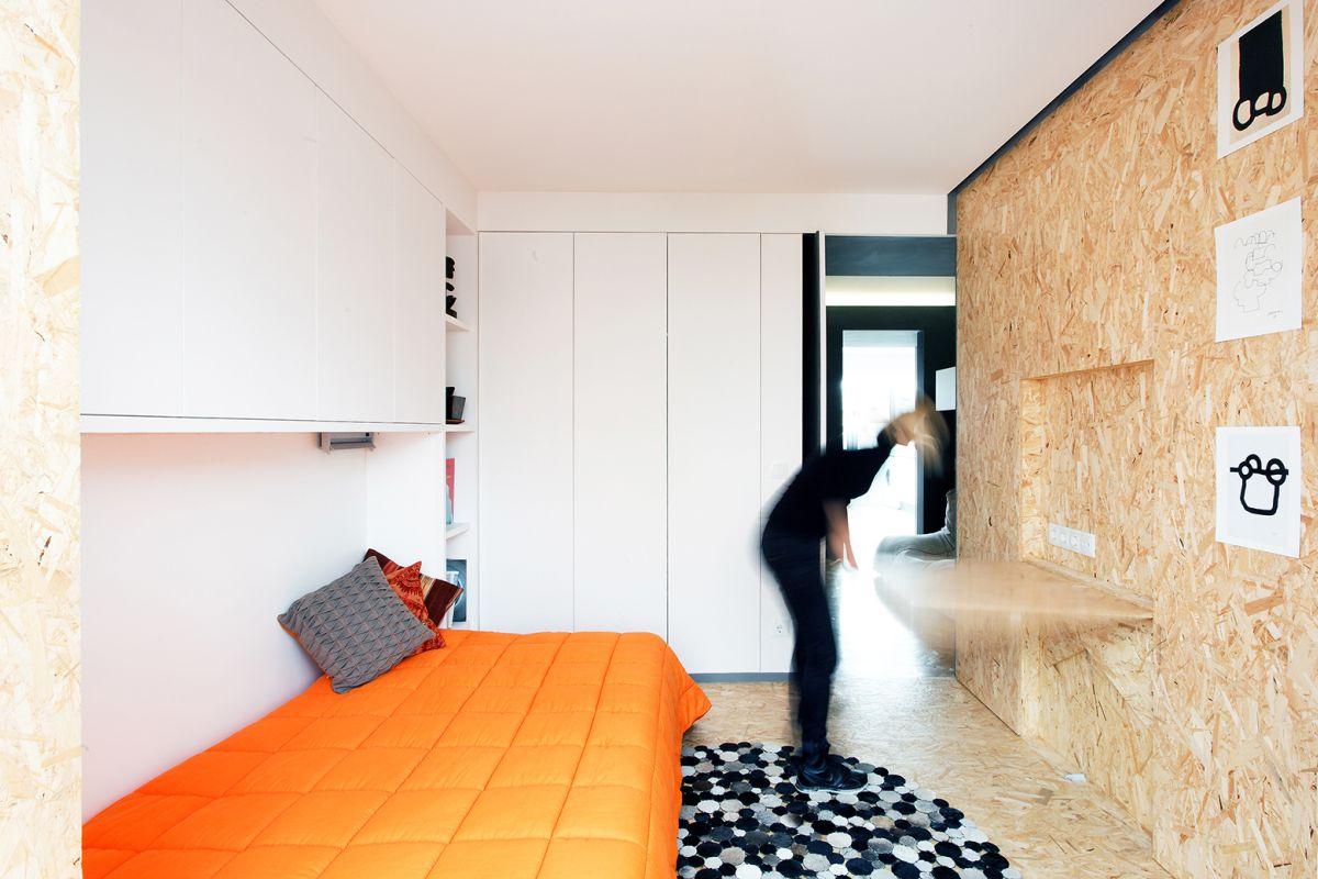 lisbon-student-apartment-fold-down-desk