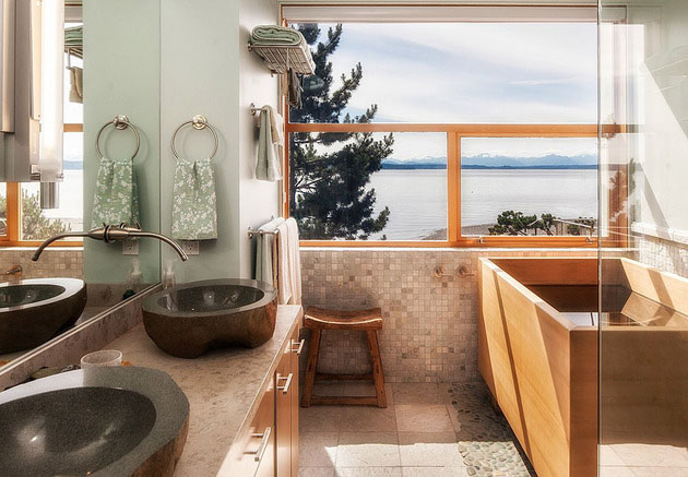maximize the spaciousness in bathroom