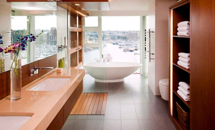 narrow-bathroom-with-view