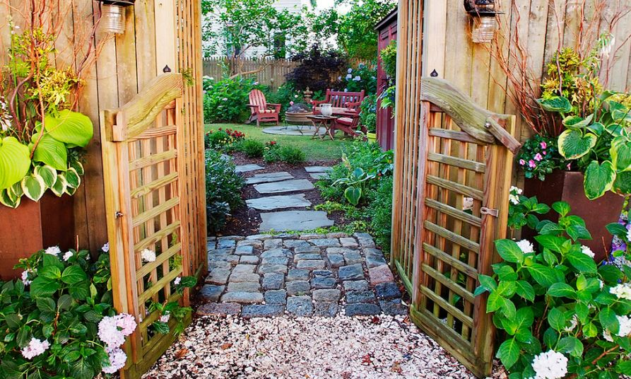 organic-natural-backyard-pavers