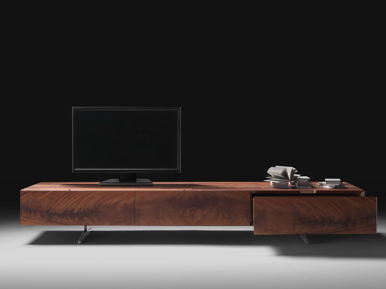 Piuma Low Wooden Tv Cabinet