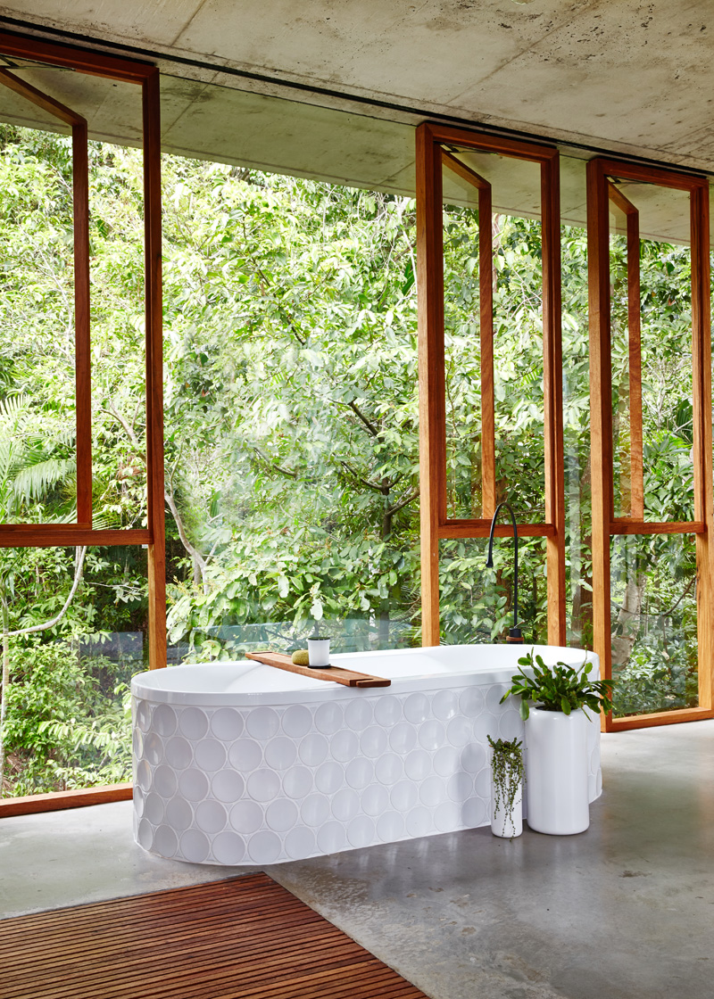 planchonella-house-bathroom-tub