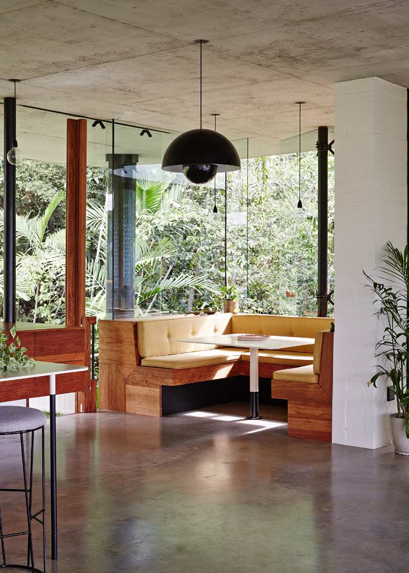 planchonella-house-breakfast-nook