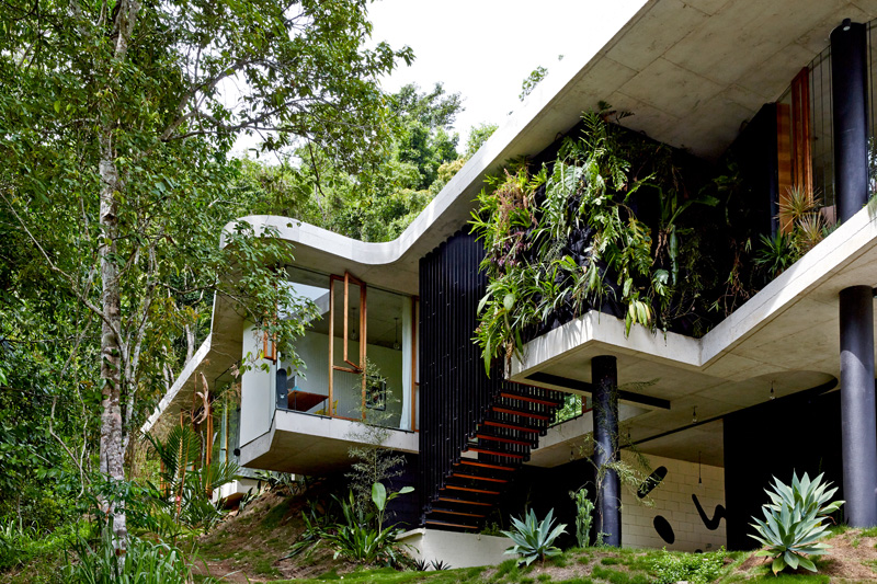 planchonella-house-unique-architecture