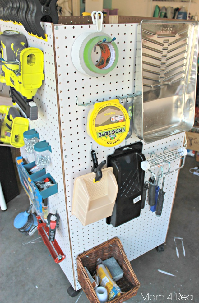 portable-garage-pegboard