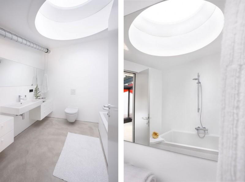 red-house-in-munich-bathroom-skylight