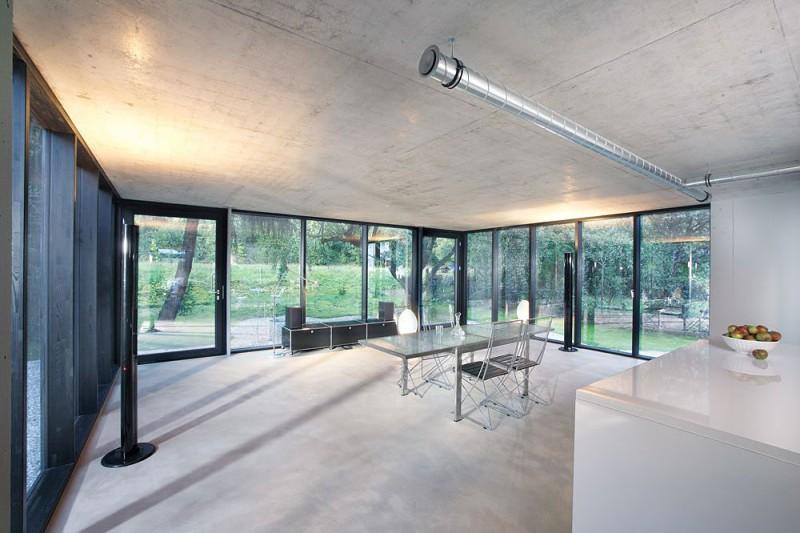 red-house-in-munich-raw-interior-design