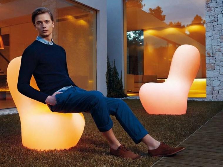 sabinas-armchair-floor-lamp