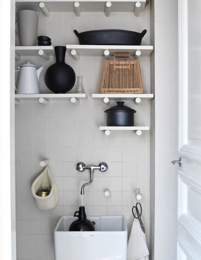 storage-pegboard-above-sink