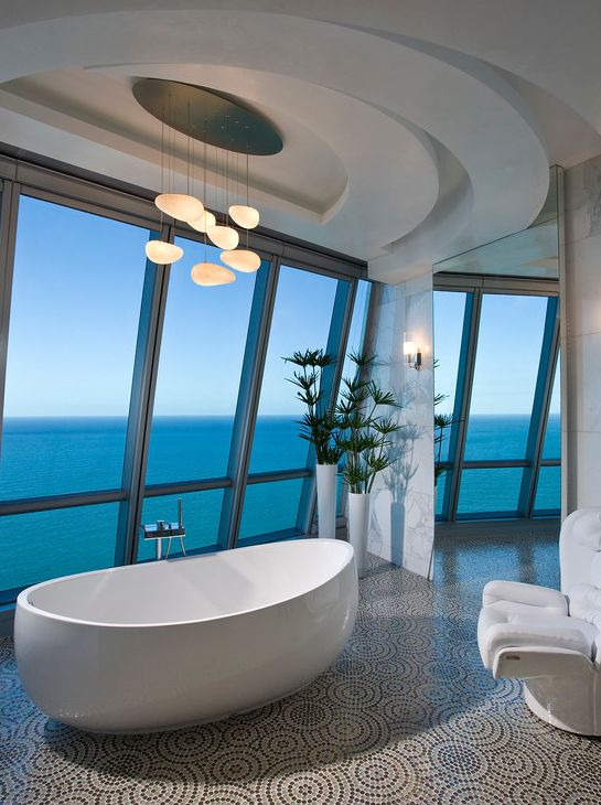 stunning-bathroom-with-soaking-tub