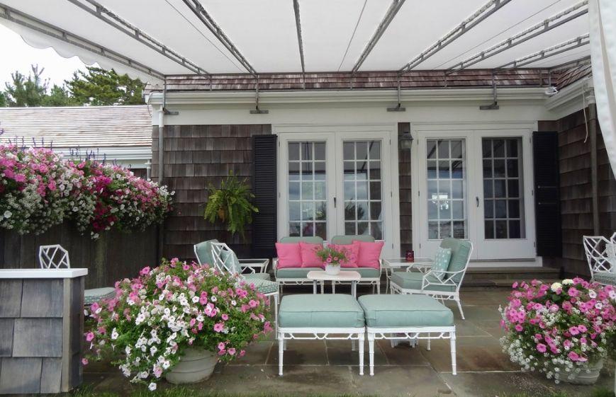 stylish-cottage-porch