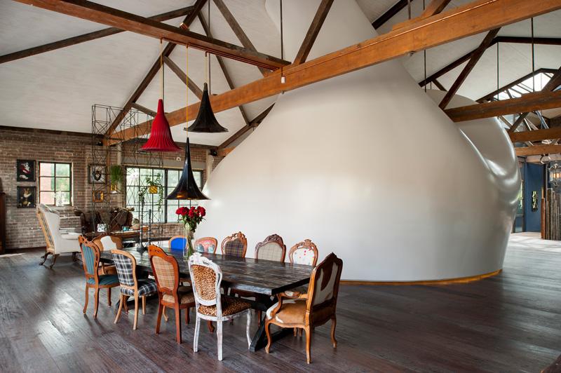 sydney-warehouse-conversion-dining-area