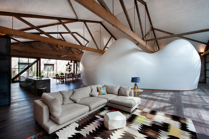 sydney-warehouse-conversion-seating-area