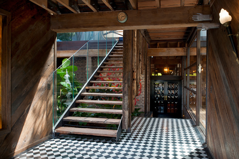 sydney-warehouse-conversion-staircase