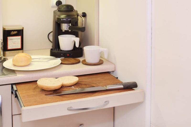 tiny-poland-apartment-kitchenette-drawer