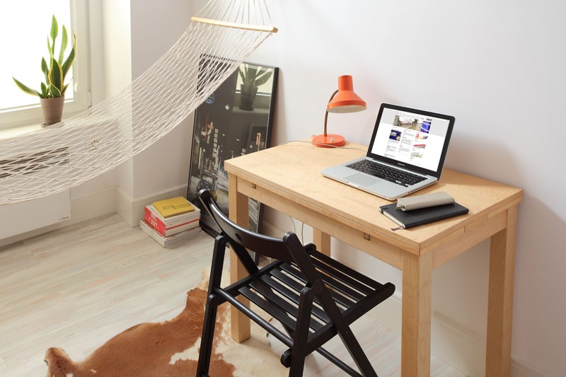 tiny-poland-apartment-table-and-desk