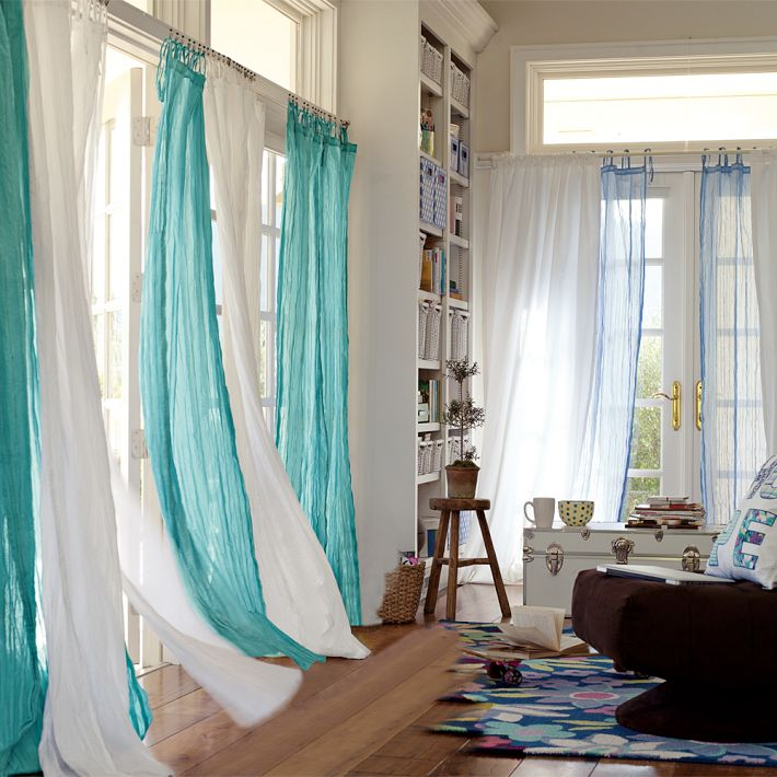 20 Different Living Room Window Treatments