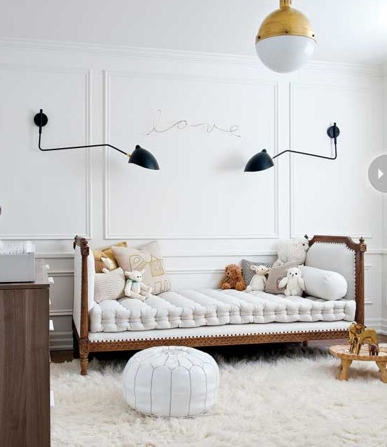 white-and-gold-accents-teenage-room