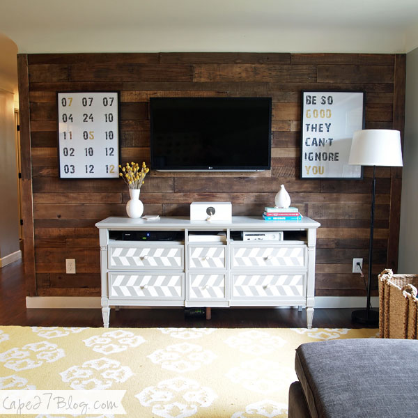wood-pallet-wall-covering-for-man-cave